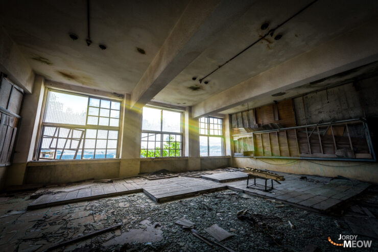 abandoned, gunkanjima, haikyo, japan, japanese, kyushu, nagasaki, piano, ruin, school, thing, urban exploration, urbex